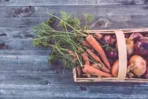 Panier osier légumes bio carottes